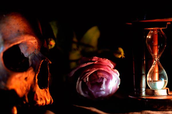 Memento-rose-et-sablier